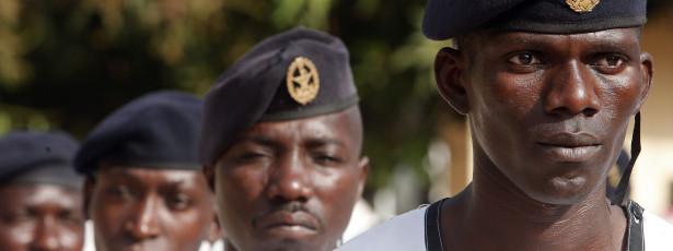 Forças Armadas celebram 50 anos debaixo de contestação popular