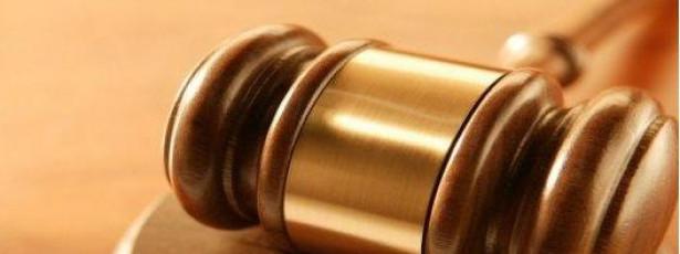 Juíza recorre a HIV e a filho falsos para justificar adoções