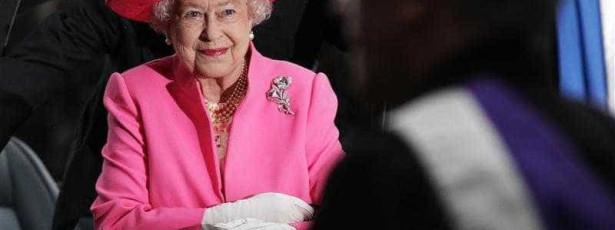 Isabel II de Inglaterra assinala domingo 60.º aniversário da coroação