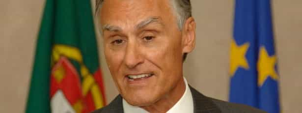 Cavaco apela à normalização da situação política na Guiné