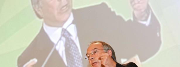 Cortes deviam ter sido feitos em 2011 para evitar assalto fiscal