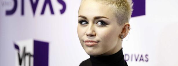 Miley Cyrus sofreu bullying devido a problema de acne