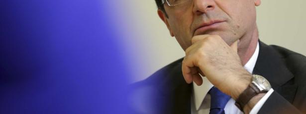 Hollande defende colaboração com Arábia contra Estado Islâmico