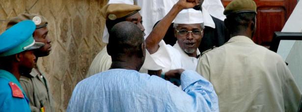 Hissène Habré detido para ser julgado no Senegal