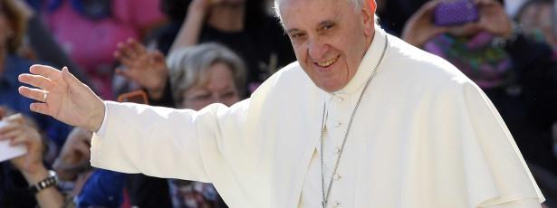 Papa Francisco doa 750 mil euros às minorias no Iraque
