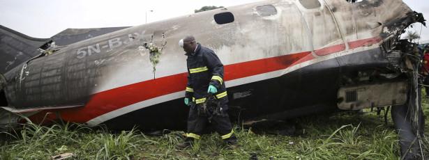 Avião desaparecido encontrado sem sobreviventes