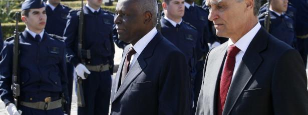 Anúncio de Eduardo dos Santos é realista e sensato, diz MPLA