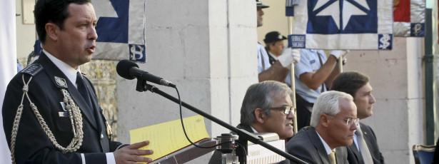 Ministro 'manda' ex-director da PSP para Paris com triplo do salário