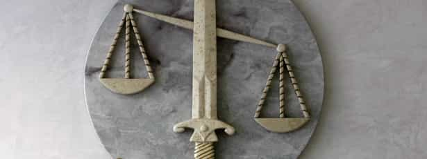 Juízas denunciadas por empurrão dado a famílias para insolvência