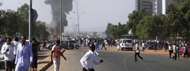 Bombista suicida mata 26 pessoas e fere 28 em ataque