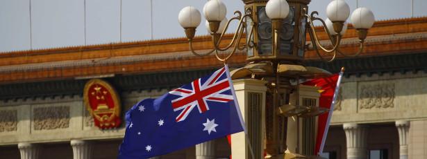 ออสเตรเลียเผชิญกับสองคดีสำหรับนโยบายในการลี้ภัย