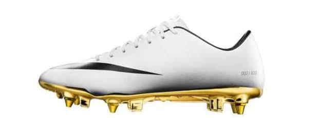 Nike lança edição limitada de chuteiras CR7