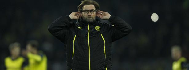 Dortmund perde em Frankfurt e é 'lanterna vermelha'