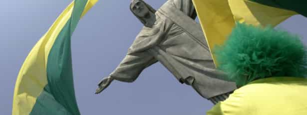 Embaixada do Brasil em Berlim apedrejada por encapuzados