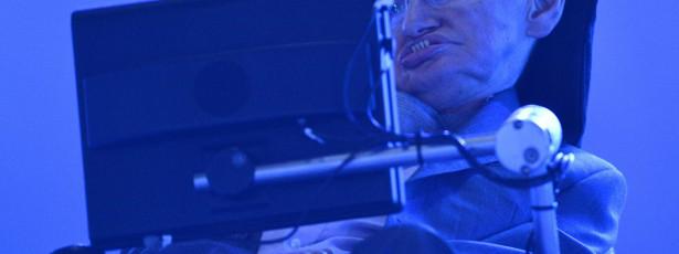Stephen Hawking dá esperança a fãs de One Direction