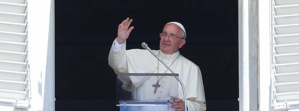 Papa pede a católicos para que não se desliguem da realidade