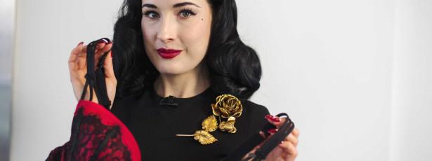 Dita Von Teese lança lingerie sexy para mães