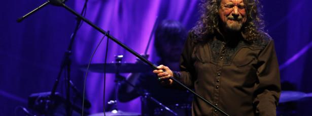 Robert Plant farto das críticas de Jimmy Page