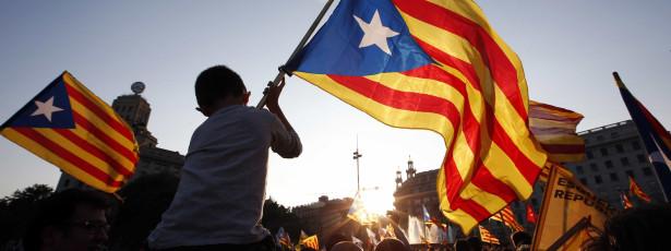 Aznar pede ao Governo que elimine a forte efervescência independentista na Catalunha