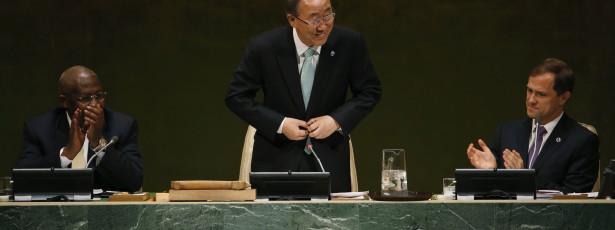 Ban Ki-moon visita países afetados pela epidemia