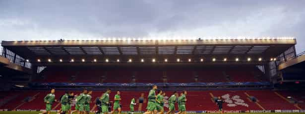 Anfield Road cresce para 59 mil lugares
