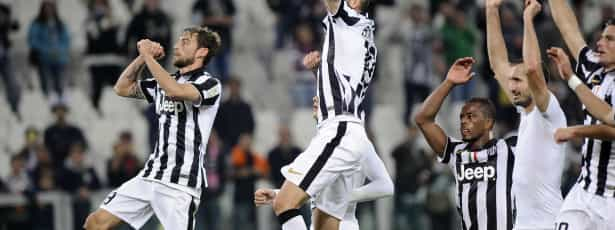 Juventus empata e AC Milan ganha na despedida da Liga