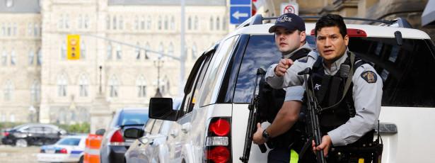 Militares de Otava avisados de que não podem andar fardados na rua