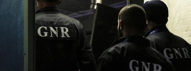 Sete detidos por tráfico de droga, posse de armas e roubo