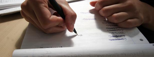 A partir de amanhã escrever com novo acordo é obrigatório