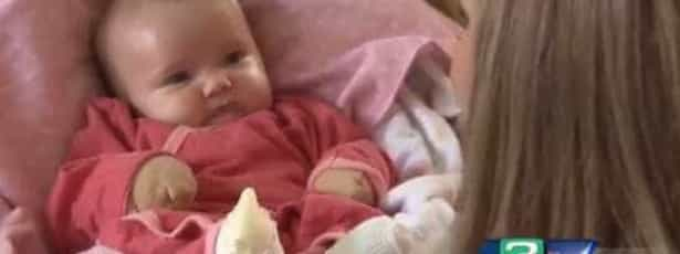 Doença rara impede pais de tocarem na filha