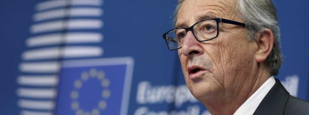 Pecámos contra a dignidade dos povos, na Grécia e em Portugal