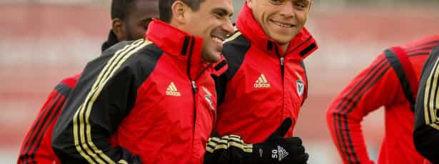Maxi Pereira assegura estar tranquilo no Benfica