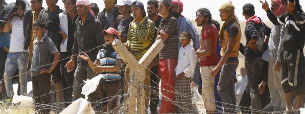 Itália pede a Bruxelas para criar campos de refugiados na Líbia