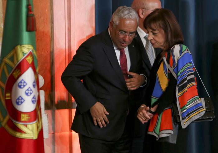 Governo escusa-se a comentar avisos de João Salgueiro sobre resgates