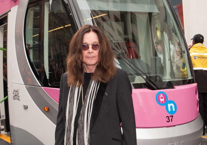 Ozzy Osbourne dá recompensa milionária a quem encontrar guitarra do amigo