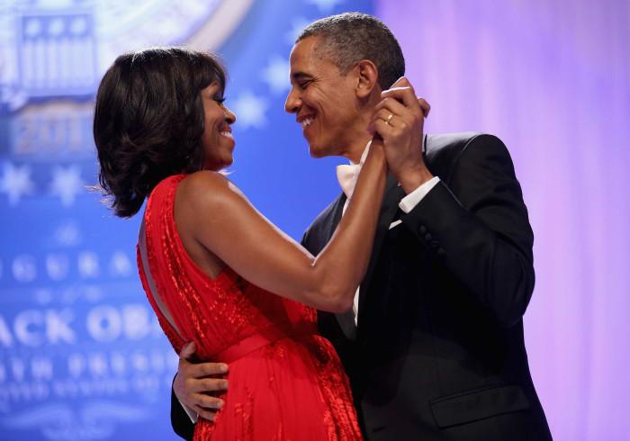 Michelle Obama enternece fãs com foto única no Dia dos Namorados