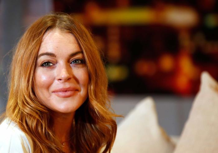 Lindsay Lohan não aceita namoro da mãe e pede para terminar relação