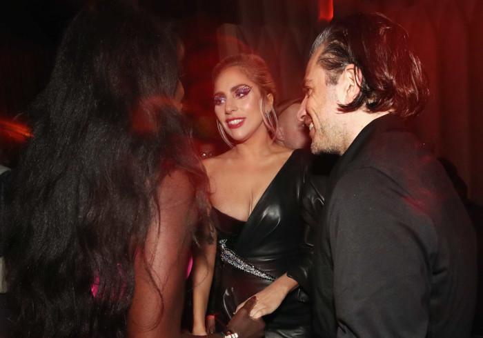 Lady Gaga terminou o seu noivado? Fãs levantam suspeitas
