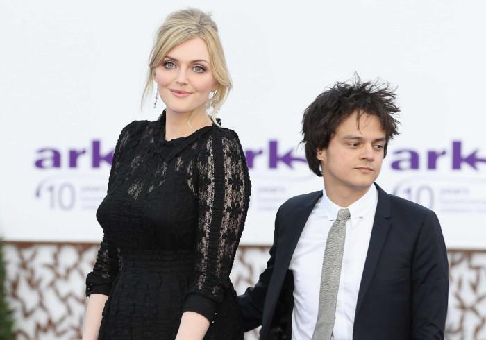 Jamie Cullum comenta diferença de altura entre ele e a mulher