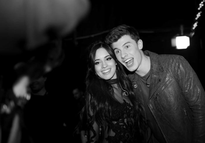 Camila Cabello está a dar lições de espanhol a Shawn Mendes