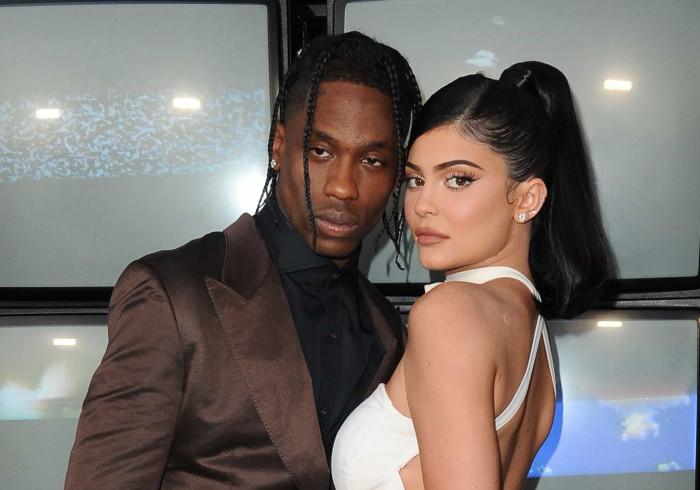 Clã Kardashian quer voltar a juntar Kylie Jenner e Travis Scott