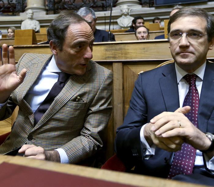 Passos e Portas regressam ao Parlamento e PS renova 21 deputados
