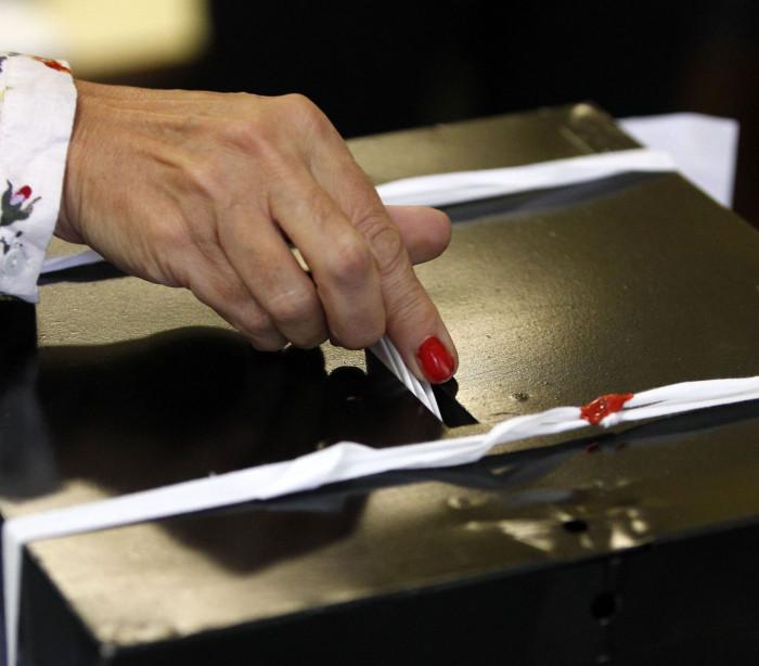 Portugueses começam votação para escolha de novo presidente do país