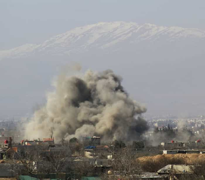 Grupo Estado Islâmico reivindica atentado em mesquita xiita que matou 45 pessoas