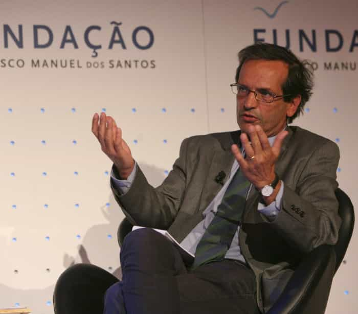 """Candidato do PS defende ideia que o partido diz ser """"um disparate"""""""