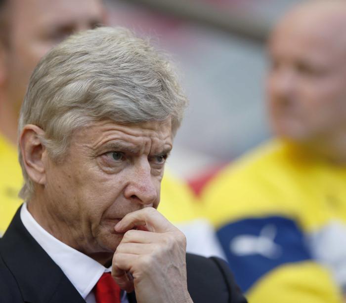 Wenger desdramatiza Liga Europa e dá exemplo do... Benfica