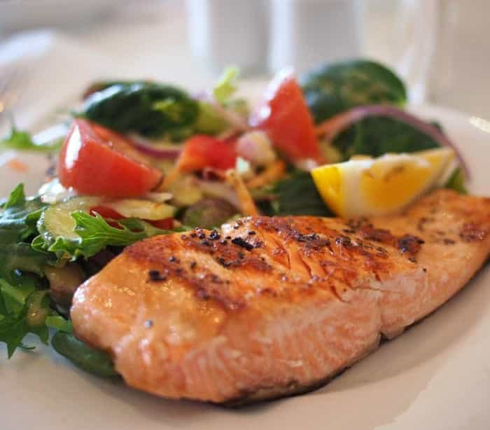 Nove alimentos que ajudam a prevenir o cancro da mama