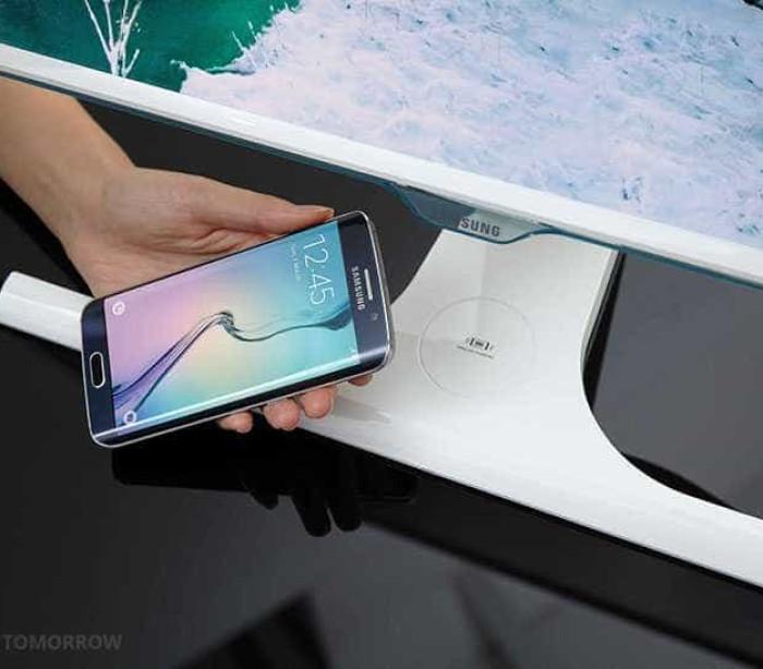Samsung lança monitor que carrega smartphone