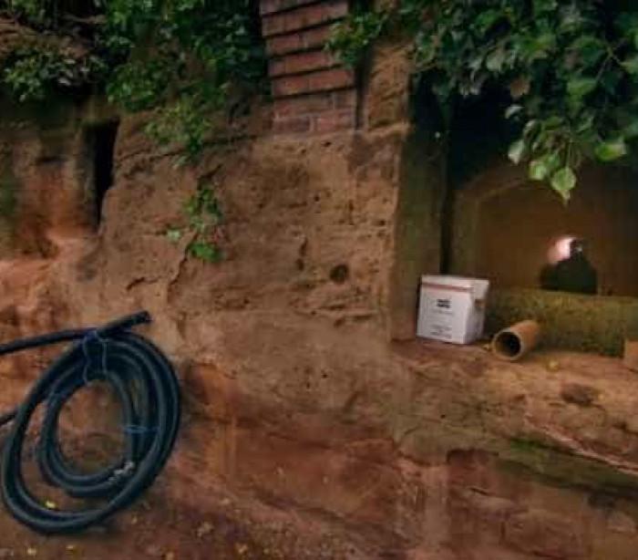 Transformou caverna com mais de 800 anos em casa de sonho