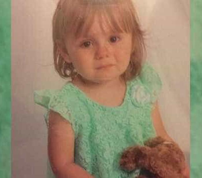 """""""Encontrei a menina desaparecida"""". Oiça a chamada emocionante ao 911"""
